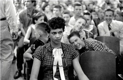 dorothy-counts-one-of-the-first-black-students-to-enter-the-newly-desegregated-harry-harding-high-school-is-mocked-by-whites-on-her-first-day-of-school1